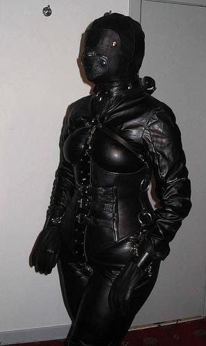 leathererotics hood & corset